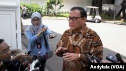 Gubernur Bank Indonesia Agus Martowardojo di komplek Istana Kepresidenan (27/8). (VOA/Andylala)
