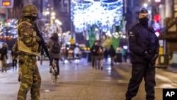Belçikada Paris hücumlarından sonra təhlükəsizlik səviyyəsi yüksək həddə qalır