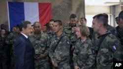 انتقاد از تصمیم فرانسه به خاطر خروج عساکر فرانسوی از افغانستان