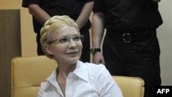 Тимошенко захищається в суді без адвокатів