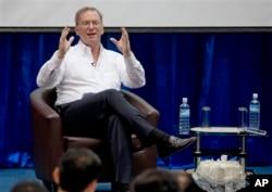 因特网巨头谷歌公司的执行主席、前首席执行官埃里克•施密特