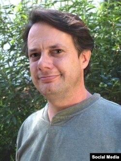 Dr.Kiris Funk saayintistii qorannoo dhaaba USGS