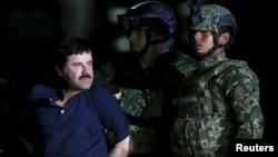 """Trùm ma tuý khét tiếng Joaquin """"El Chapo"""" đã bị các giới chức Mexico đưa trở lại nhà tù Altiplano, sau khi bị bắt sau 7 tháng trốn thoát khỏi nơi này."""