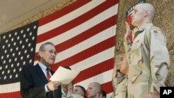 미 공군에 재입대하는 군인이 선서식을 하고 있다. (자료사진)