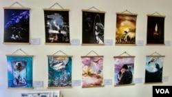 賢學思政在旺角設立的社區空間,第一個展覽是十幅取材自10首廣東歌的畫作。(美國之音湯惠芸)