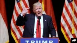 共和党总统候选人川普在南卡罗莱纳州参加竞选集会。(2016年7月5日)