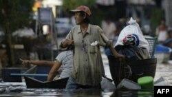 Наводнение в Таиланде продолжается