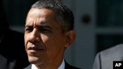 美国总统奥巴马10月1日在白宫玫瑰园举行记者会
