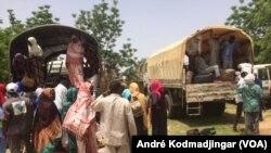 Un afflux massif de personnes en provenance de la République du Niger est signalé depuis la fin de la semaine dernière, dans la région du Lac, située dans l'ouest du Tchad, 15 juillet 2017. (VOA/André Kodmadjingar)