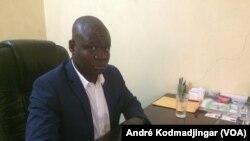 Madjasra Nako, directeur de publication du journal Le Pays, à N'Djamena, le 11 décembre 2018. (VOA/André Kodmadjingar)