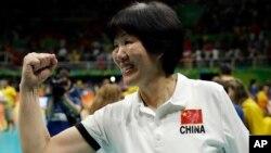 郎平带领中国女排夺得里约奥运金牌