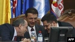 Milan Roćen, Goran Jandroković i Vuk Jeremić na skupu u Beogradu, 25. mart 2010.