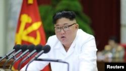 Lãnh tụ Triều Tiên Kim Jong Un phát biểu tại hội nghị Ban chấp hành TƯ Đảng Lao động Triều Tiên.