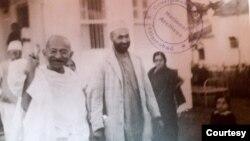 عبدالصمد خان اڅکزی د هند په کچه هغه وخت وپېژندل شو چې د ال انډیا مسلم کانفرنس غړی جوړ شو