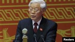 越南共产党星期三再次选举阮富仲担任越共总书记(资料照片)