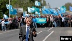 Kırım Tatar Meclisi eski başkanı Mustafa Abdülcemil Kırımlıoğlu başta olmak üzere bir çok Tatar liderin Kırım'a girişi, Rusya tarafından yasaklandı