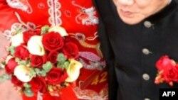 Một đám cưới giữa cô dâu Việt và chú rể người nước ngoài (hình minh họa)