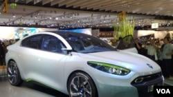 Salah satu produk mobil listrik Renault, Renault Fluence ZE