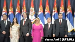 Mladen Ivanić, Tamara i Aleksandar Vučić, Kolinda Grabar Kitarović, Đorđe Ivanov i Milorad Dodik na prijemu u Palati Srbija (foto RFE)