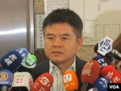 台湾在野党民进党立委莊瑞雄(美国之音张永泰拍摄)