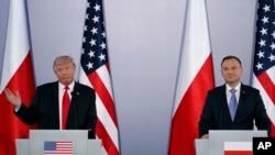 Президенти Дональд Трамп (л) і Анджей Дуда