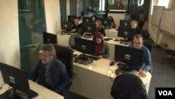 Nevećinska redakcije Radio televizije Kosovo