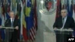 Ministri i Jashtëm i Kosovës diskuton në Tiranë bashkëpunimin rajonal
