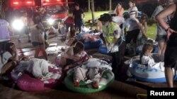 타이완 호모사 워터파크 음악회 화재로 부상을 입은 환자들이 고무풍선에 임시로 눕혀져 있는 모습.