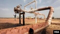 Las sanciones contra Irán y la disminución de producción de petróleo han aumentado el precio de la gasolina.