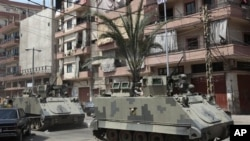 Quân đội Libăng tuần tra một khu vực tại thành phố cảng phía bắc Tripoli