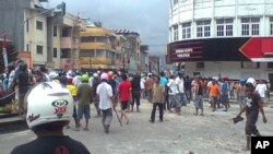 Riots break out in Ambon, September 11, 2011.