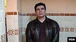 Gembong kartel narkoba paling kejam di Meksiko, Benjamin Arellano Felix di rumahnya di Puebla (foto: 9 Maret 2002).