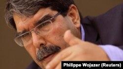 Ông Saleh Muslim, lãnh đạo Đảng Liên minh Dân chủ người Kurd ở Syria (PYD) phát biểu tại một hội nghị ở Paris, ngày 13/11/2013.