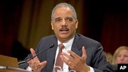 美國司法部長霍爾德在參議院司法委員會作證。(2013年3月6日)