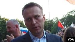反对派领袖纳瓦尔尼在2012年莫斯科的一次反政府示威集会上。(美国之音白桦拍摄)