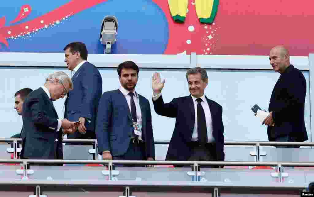 حضور نیکلاس سارکوزی، رئیس جمهوری سابق فرانسه در ورزشگاه برای تماشای دیدار تیم های فرانسه و استرالیا در جام جهانی ۲۰۱۸