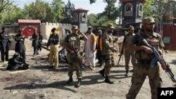 В Пакистане террористы взорвали автобус