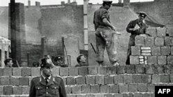 გერმანიამ ბერლინის კედლის აღმართვის 50 წლისთავი აღნიშნა