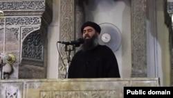 ابوبکر البغدادی در مسجد جامع نورالدین شهر موصل در حال سخنرانی - آرشیو