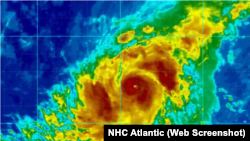 Huracán Irma subió este lunes a categoría cuatro. Según expertos, el fenómeno natural, tocaría suelo el martes.