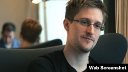 "Edward Snowden dans le documentaire ""Citizenfour"""