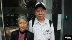 67歲的香港市民梁婆婆與丈夫一起參與佔中商討日三投票