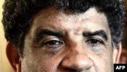 Cựu chỉ huy tình báo Abdullah al-Senoussi nói chuyện với báo giới ở Tripoli, Libya, 21/8/2011