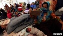موصل کے قریب قائم ایک پناہ گزین کیمپ کا منظر