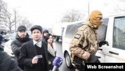 Lực lượng đặc nhiệm Ukraine tiến hành cuộc khám xét lớn tại Làng Sen. Ảnh: nguoivietukraina