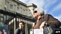 Bà Judy Gross tại 1 buổi mít tinh ủng hộ chồng, ông Alan Gross, ở Washington, thứ Hai 28/11/2011