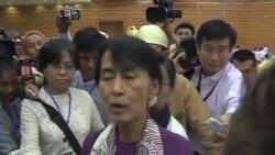 2012-05-02 粵語新聞: 昂山素姬在緬甸議會宣誓就職