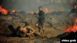 """""""強悍泥人""""(Tough Mudder)號稱是世界上最艱難的障礙賽。"""