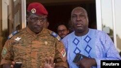 Isaac Zida da Zephirin Diabre a Ouagadougou, Burkina Faso, Nuwamba 2, 2014.
