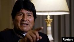 Evo Morales señala a algunos obispos como responsables de los robos en los templos.